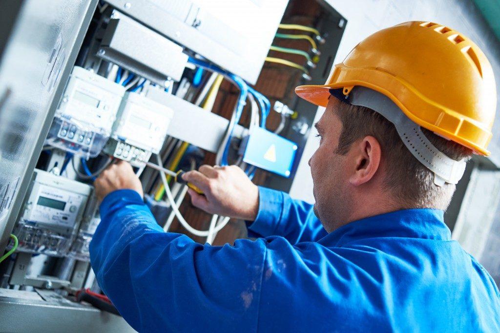 Electrician Fixing Equipment
