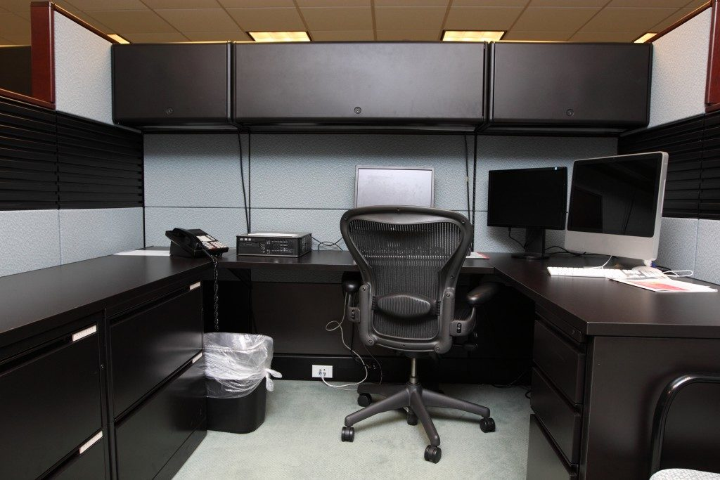 Classy cubicle workstation
